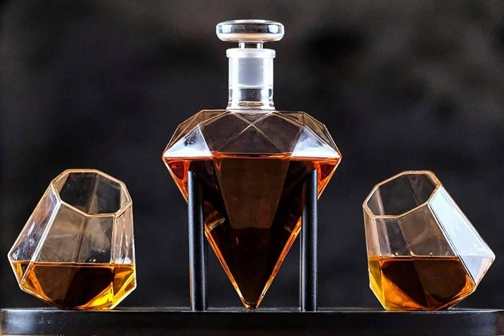 What To Look For In A Whiskey Decanter Set